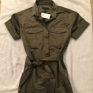 NWT BANANA REPUBLIC BELTED BUTTON TOP